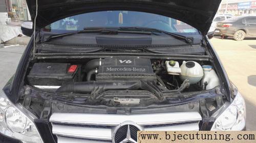 更完美两台奔驰唯雅诺2.5刷ecu升级提动力降油耗 ...��3��